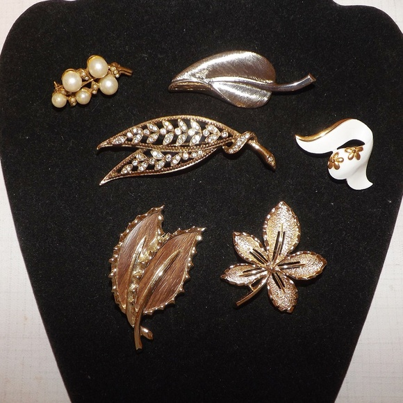 33c1f587e Sarah Coventry Jewelry | Lot 6 Vintage Leaf Pin Broochsarah Covgold ...